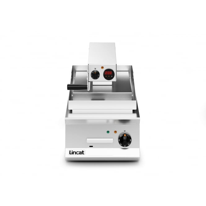 Lincat OE8211/R Opus 800 Clam griddle Ribbed Upper Plate electric 8.6kw
